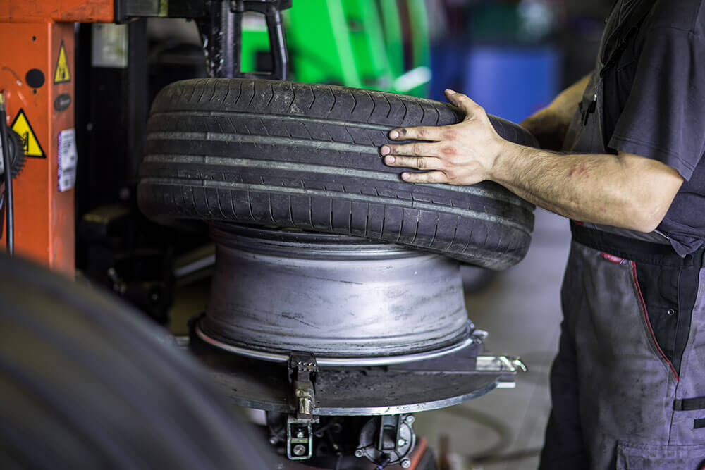 4 Signs Your Tires Need Balancing